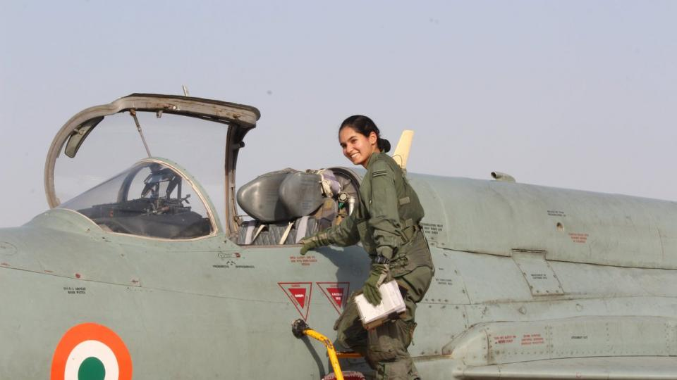 Avani Chaturvedi, first lady, fighter plane ,