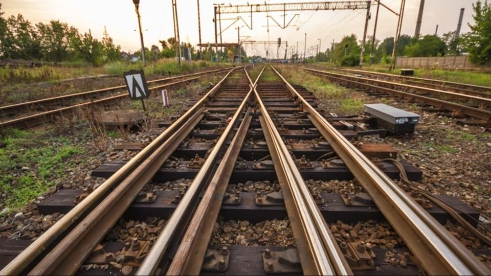 Train Tracks, Mumbai,