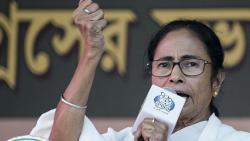 LokSabha 2019: Modi suffering from haratanka, trying to divide people on religious lines : Mamata Banerjee