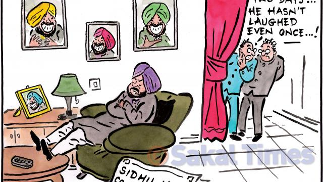 Sidhu criticized for hugging Pak Army Chief