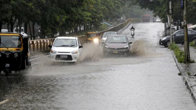 Waterlogging on Mumbai Pune highway near Nashik phata