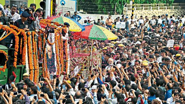 Thousands mourn as Vajpayee laid to rest with full state honours
