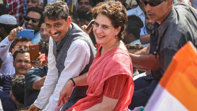LokSabha 2019: Priyanka holds strategy meeting in Amethi, welcomes new entrants in Congress