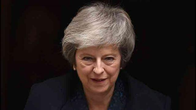 Theresa May to contest confidence vote