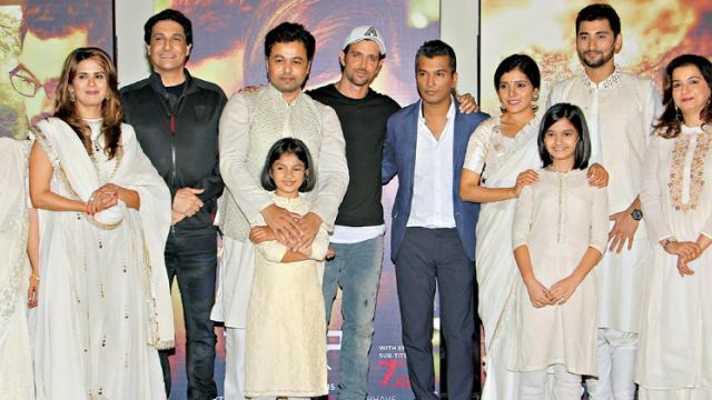 Vikram Phadnis along with Hrithik Roshan, Shiamak Davar and the star cast of Hrudayantar at the trailer launch