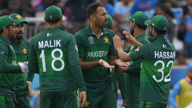 ICC Cricket World Cup: Nihari to IMF loan, Pakistani users poke fun at players on Twitter