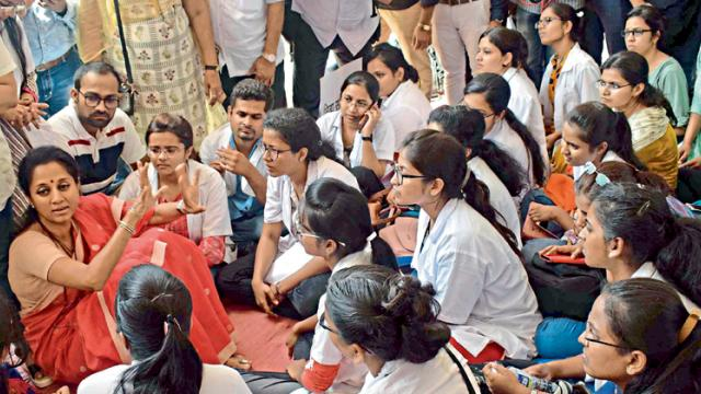 Medical students frustrated as problems continue