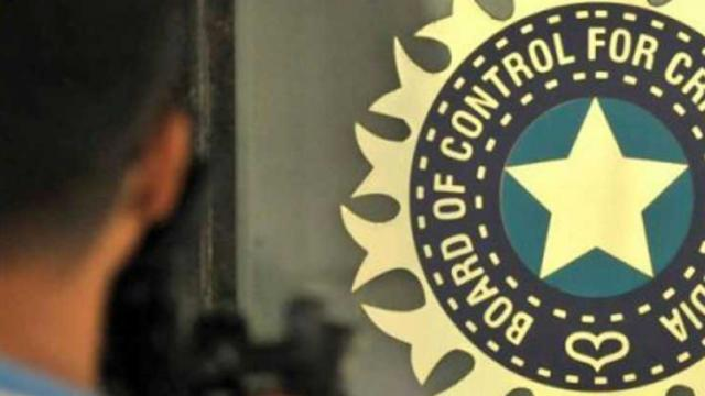 BCCI to invite fresh applications for support staff, Shastri will have to re-apply