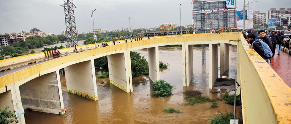 UNDERWATER: A view of the Pavana river in spate near the JRD Tata flyover at Nashik Phata on Monday afternoon. (Pic: Parag Jadhav)