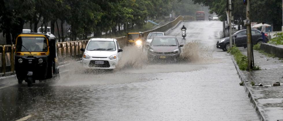 Waterlogging on Mumbai Pune highway near Nashik phata