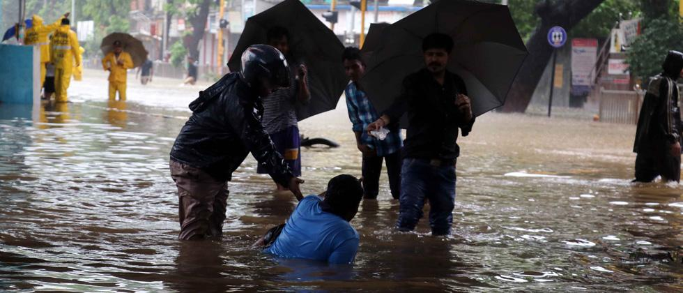 Rains water logging at Hindamata-Dadar East on Tuesday