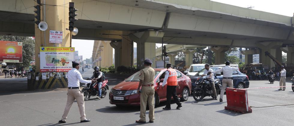 Police diverted traffic at Nashik Phata due to protest at Pimpri