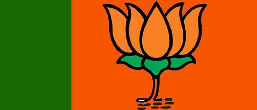 BJP delegation approaches EC alleging TMC govt not allowing party's political programmes in WB