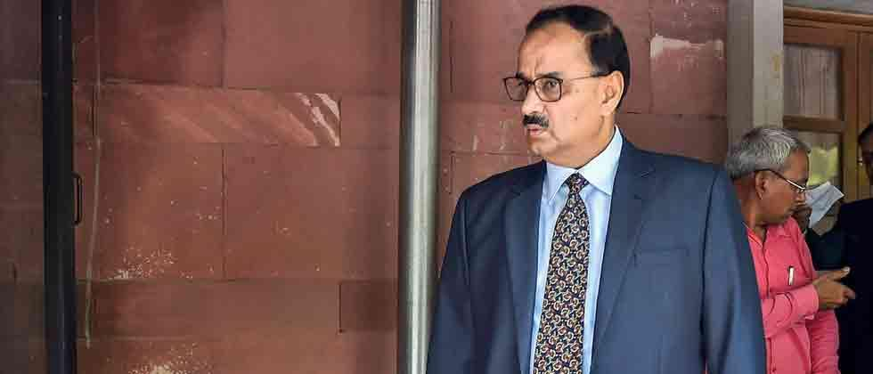 Axed CBI director Alok Verma tells govt to treat him 'deemed superannuated'