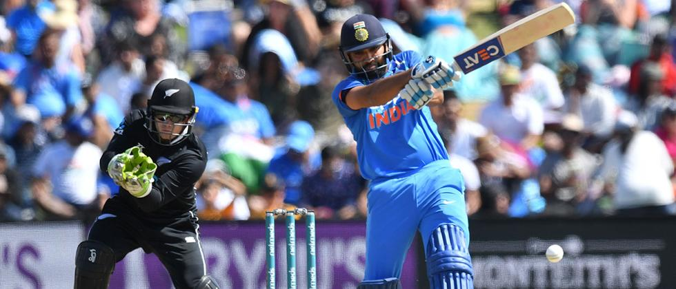 2nd ODI: India post challenging 324/4 vs New Zealand