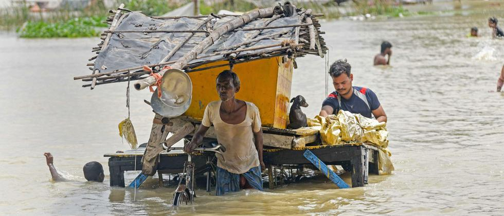 Ganga floods Varanasi ghats, 20 dead in UP rains