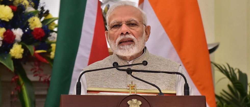 Hung parliament an illness; stalled development for 30 yrs: Modi