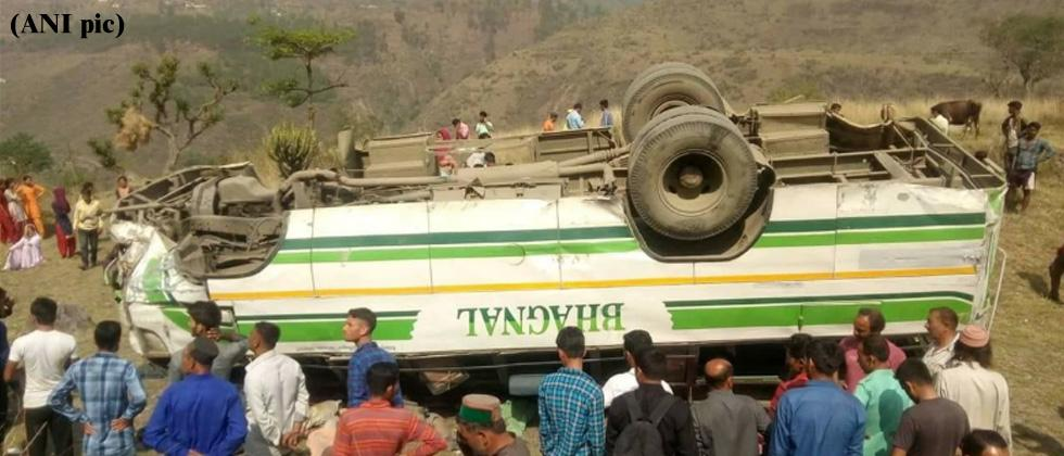 Seven killed as bus rolls down hill in Himachal Pradesh