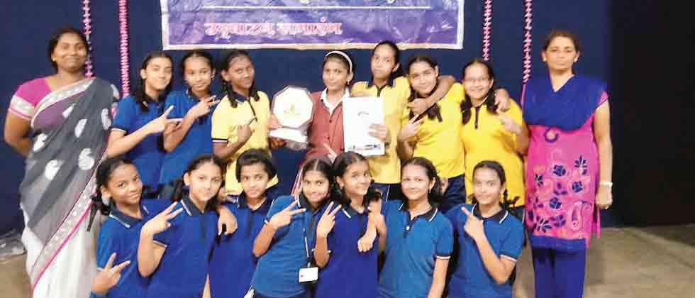 Harshada and Simran win silver medals in Karate championship for Vision English Medium School