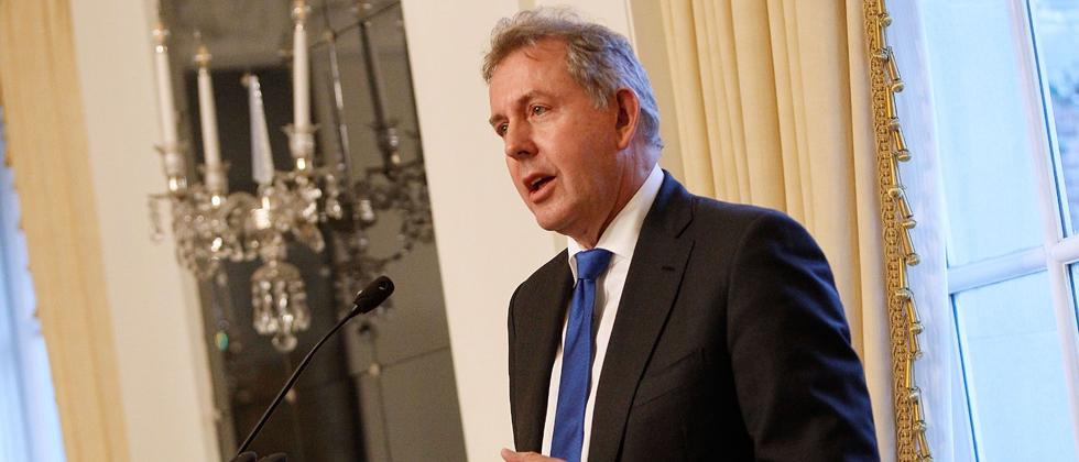British ambassador to US resigns amid email leak row with Trump