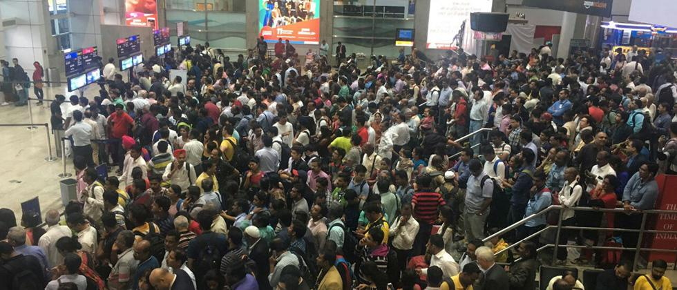 Heavy rains disrupt flights in Mumbai
