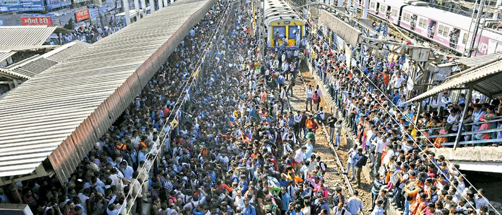 Protesters block trains in Nalasopara