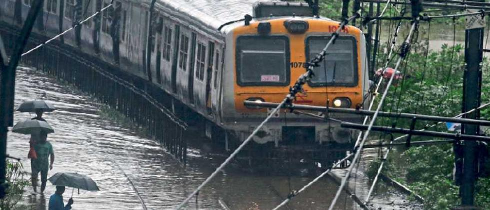Boulder damages railway track; Pune-Mumbai trains diverted