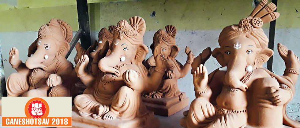 Engineer-sculptor makes ganesh idols out of mud