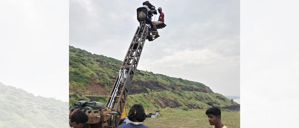 2 FTII students fall off crane during outdoor shooting