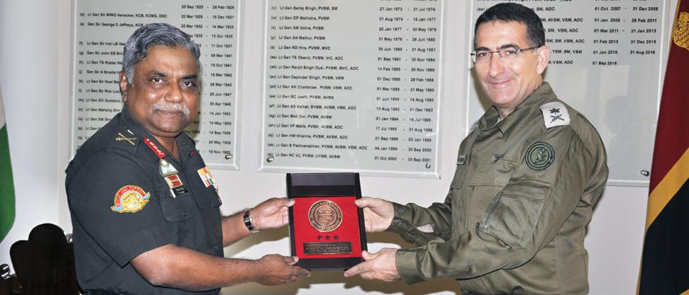 Israel ground forces chief Barak visits HQ Southern Command