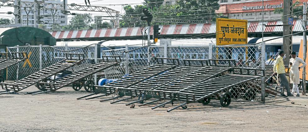 Railway creates space for passengers' movement