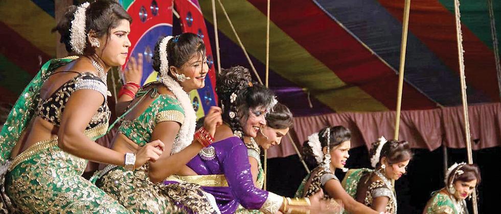 Tamasha artistes hit hard due to MCC