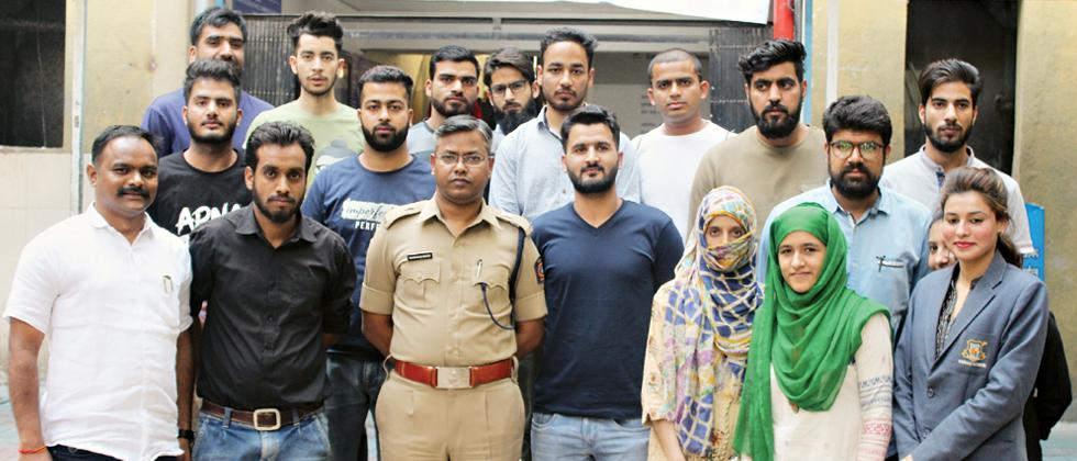 City police interact with Kashmiri students