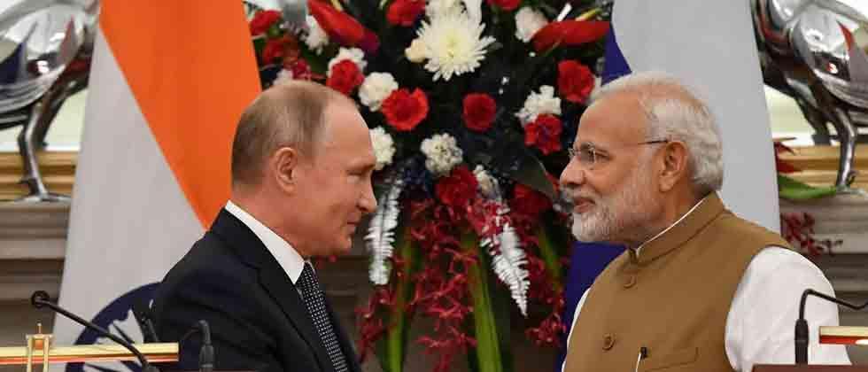 India, Russia sign USD 5 billion S-400 deal