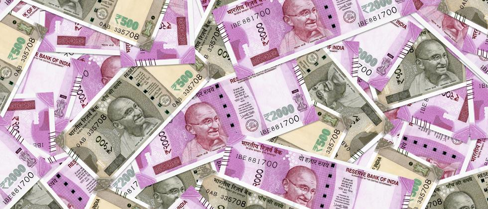 Rupee pares all gains, drops to fresh record low of 71.79 against USD