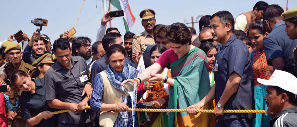 Priyanka Gandhi begins 3-day UP visit, offers prayers at temple