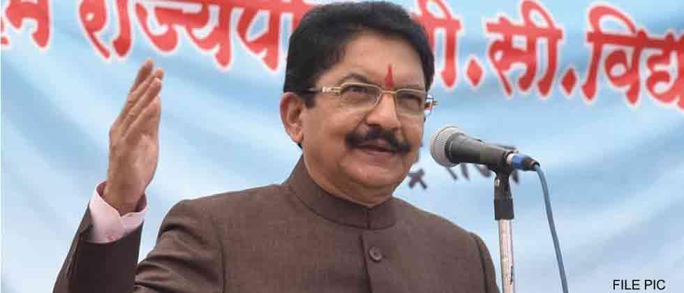 Maharashtra Opposition calls Governor 'RSS man', boycotts address