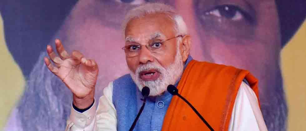 Modi defends 10 pc quota, asks Cong to clarify on Rafale claim
