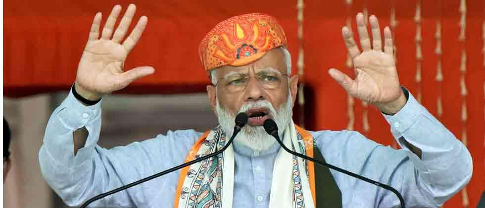 Days of lantern are over in Bihar, says Modi in veiled dig at Lalu