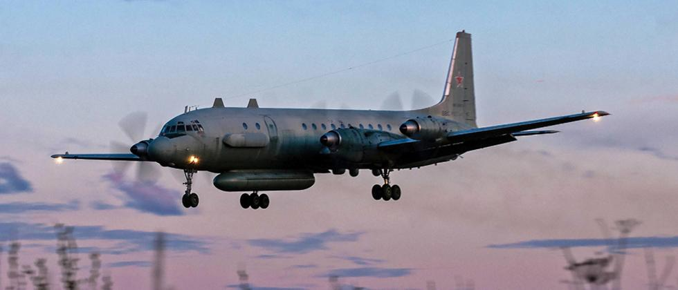 A photo taken on July 23, 2006 shows an Russian IL-20M (Ilyushin 20m) plane landing at an unknown location. Russia blamed Israel on Tuesday for the loss of a military IL-20M jet to Syrian fire, which killed all 15 servicemen on board.