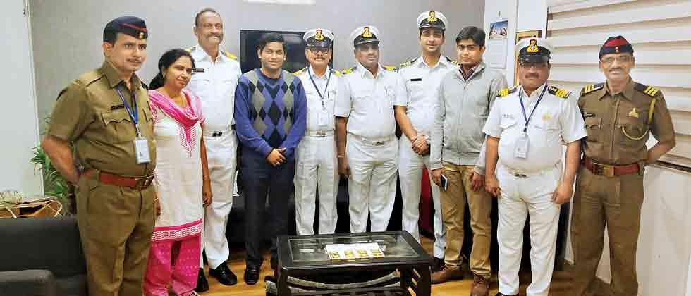 4 kg gold worth Rs 1.29 crore seized from SpiceJet flight