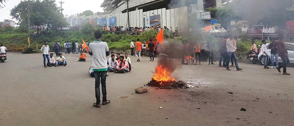 5 cops hurt as a protest turns violent at Chandni Chowk on Thursday.