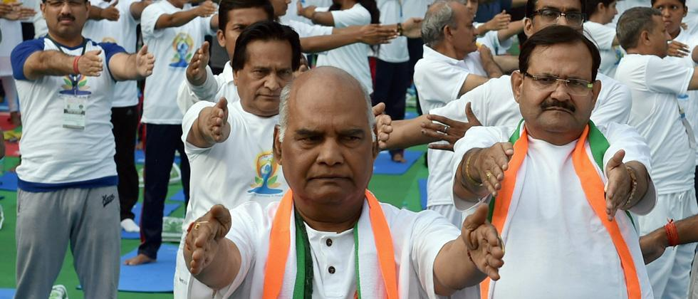 Prez candidate Kovind performs yoga in Delhi