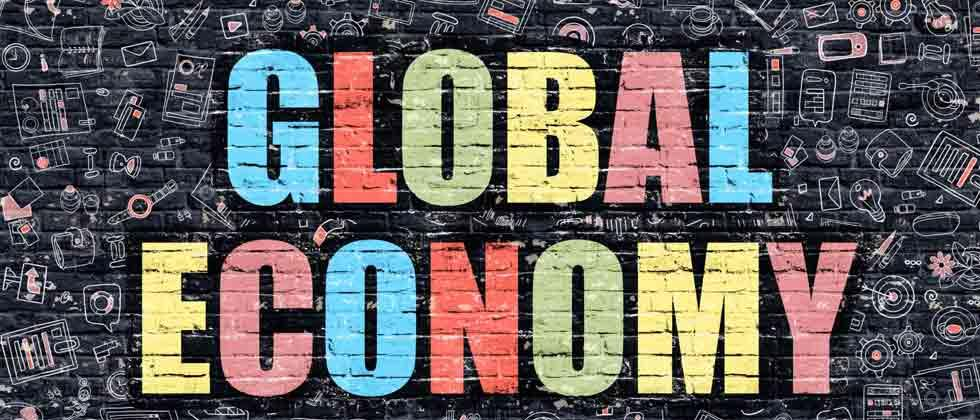 """China is """"one of the bigger risks"""" to global economy"""