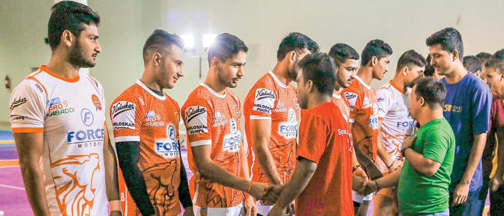 Paltan players mingle with special athletes