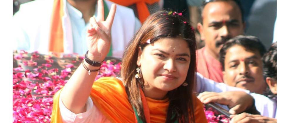 LokSabha 2019: Mahajan confident of victory from North Central against Dutt