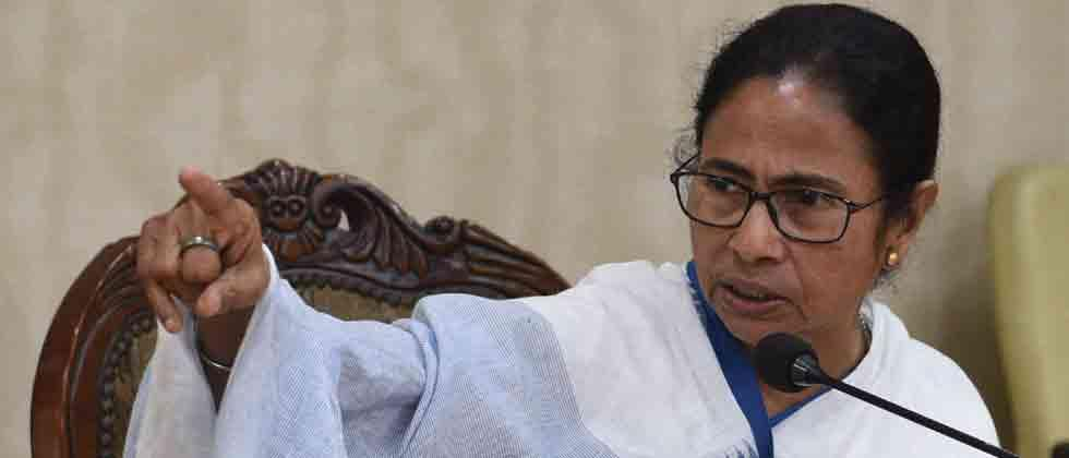 Govt keen on playing politics over dead bodies of jawans in LS polls