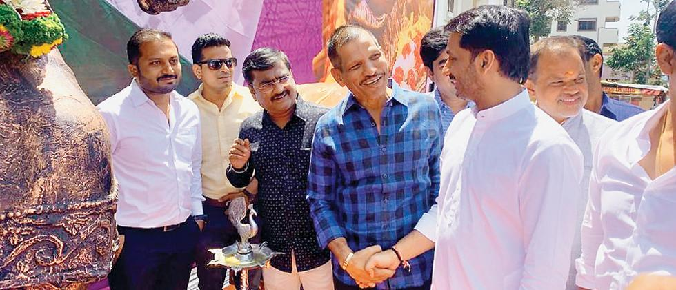 BJP MLA Jagtap greets NCP nominee Parth Pawar