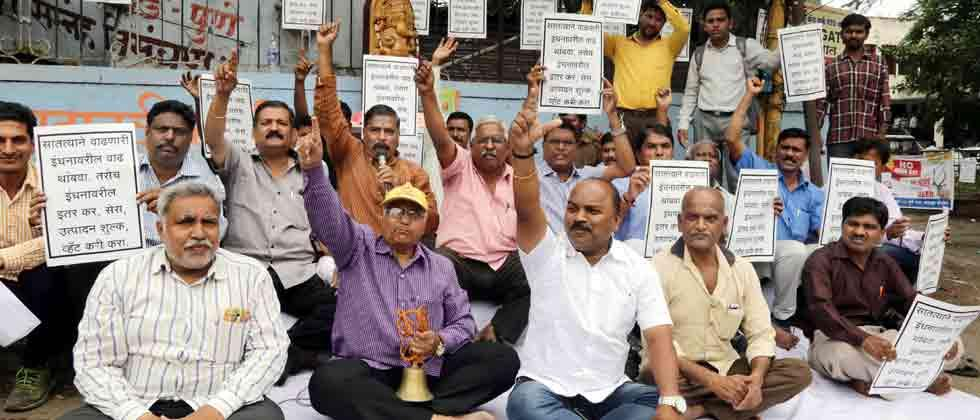 State transporters' association protests against fuel price hike