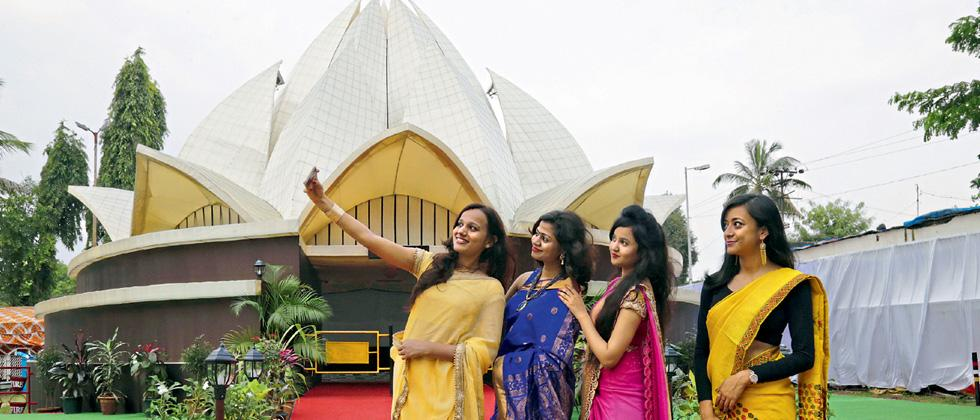 Citizens usher in Durga Puja festival with pomp